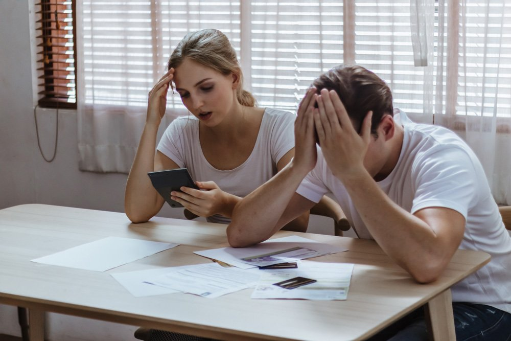 What are the pros and cons of bankruptcy?
